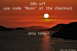 20% discount on holos till today full moon on red sky