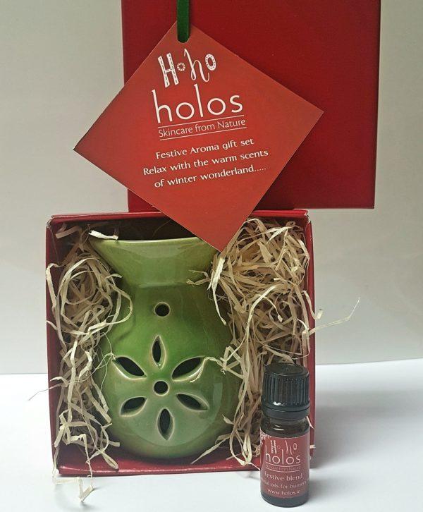 Holos Christmas gift set Festive blend essential oil and burner 1
